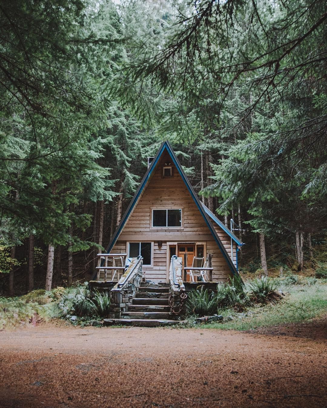 """Dream Of Log Home Do Your Homework: """"The Blue Trimming, And The Stairs. #stayandwander"""""""