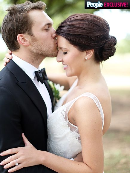 Get An Inside Look At Phillip Phillips Wedding And Hear The Song He Wrote For Couples First Dance