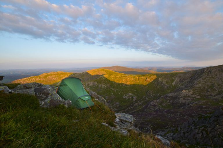 UK Wild Camping Essentials Tips (A BEGINNERS Guide to ...
