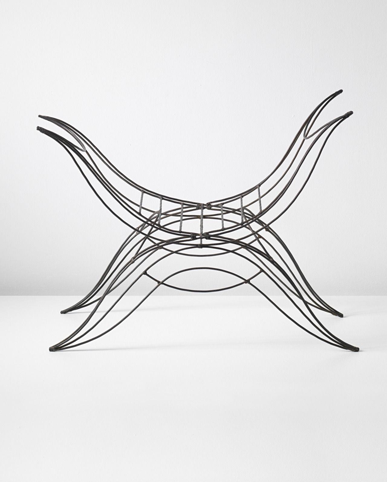 André Dubreuil Unique stool, 1986. Concrete reinforcement steel rods. (69.3 x 99.3 x 45.7 cm).
