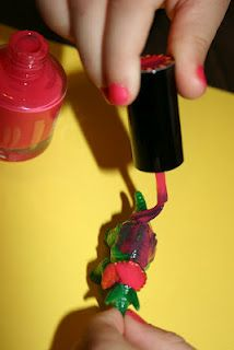 Two easy art projects to try with kids - painting dinos with nail polish and diy quote art