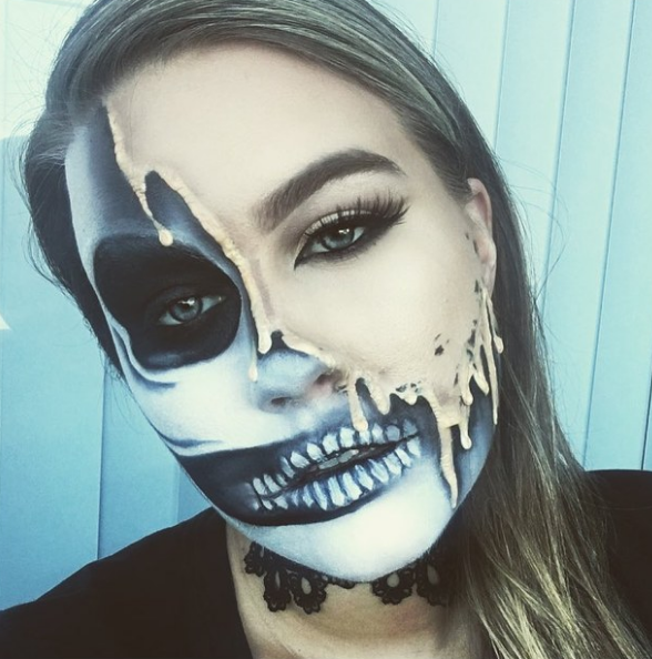 23 Jaw-Dropping Halloween Costumes Made Literally Only ...