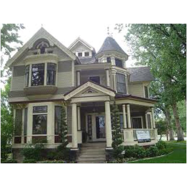 Victorian style homes. :) | Architecture I Love | Pinterest ...