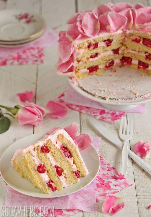 Verlockender Himbeer-Rosen-Kuchen.