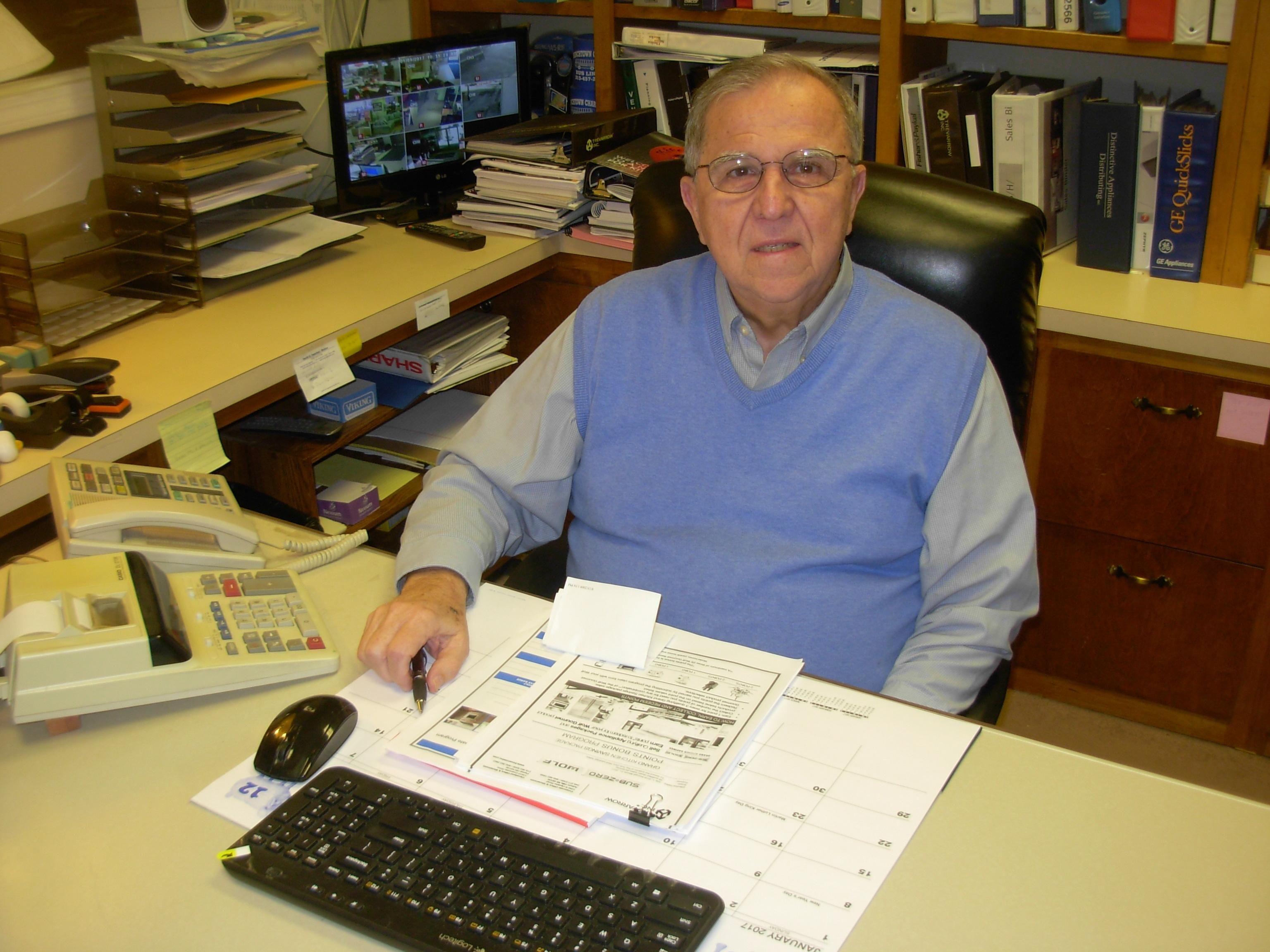 Stan Diroff Helped Durocheru0027s TV, Appliance And Furniture Store In Monroe MI  Grow Into A