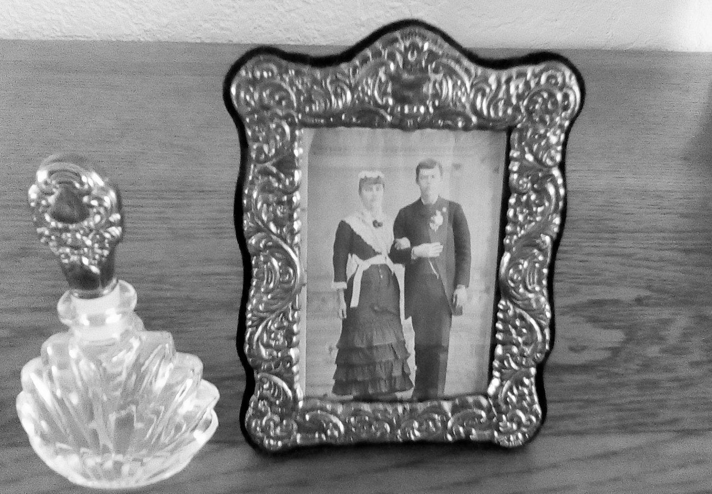Vintage Silver Framed Picture Perfume Bottleinternational Silver