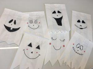 Brottüten Halloween Geister    La installation de papier couvre seul colossal gamme de projets amusa...
