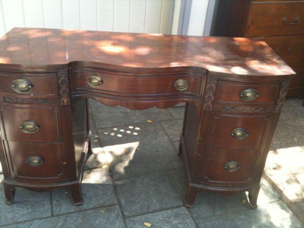 San Jose: Antique Executive Desk - would make a lovely painted / refinished  desk. - San Jose: Antique Executive Desk - Detailed - Good Condition - Http