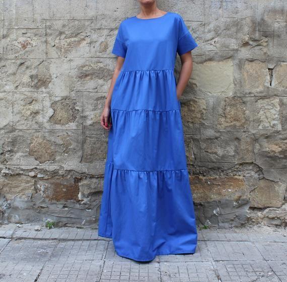 Robe bleue, volant dune robe dété avec imprimé dos