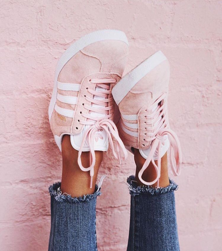 521 Best Shoes images in 2020 | Shoes, Me too shoes, Shoe boots