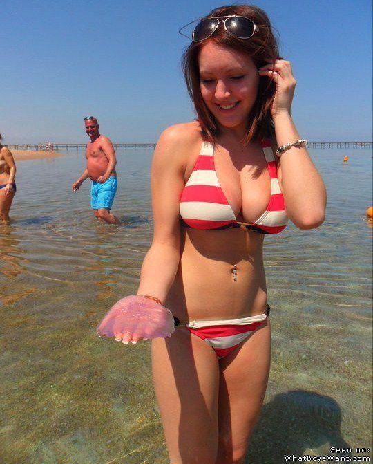 Amateur Hookup Pics Females Bathing Suits