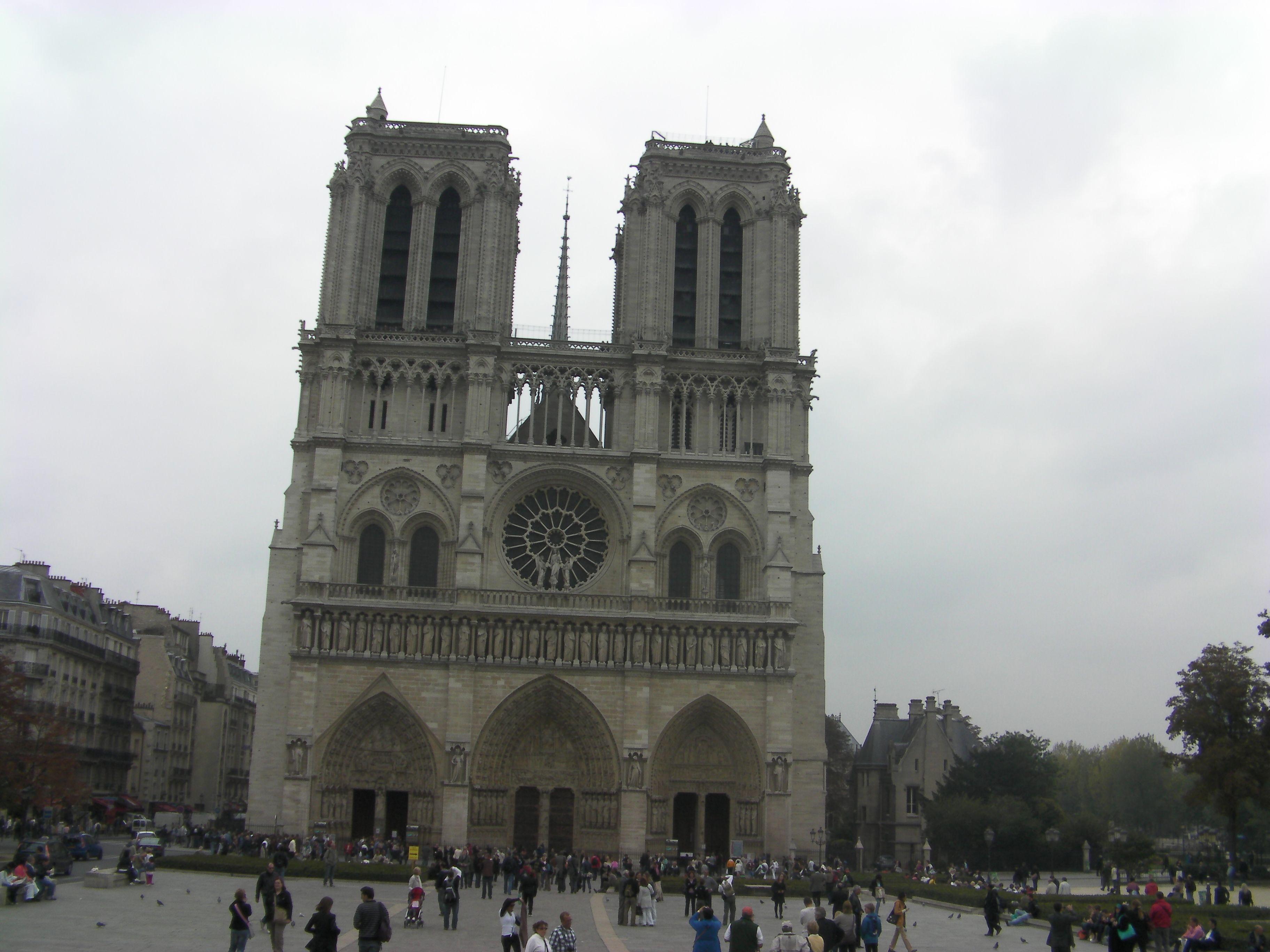 Catedral de Notre Dame, Paris, França.