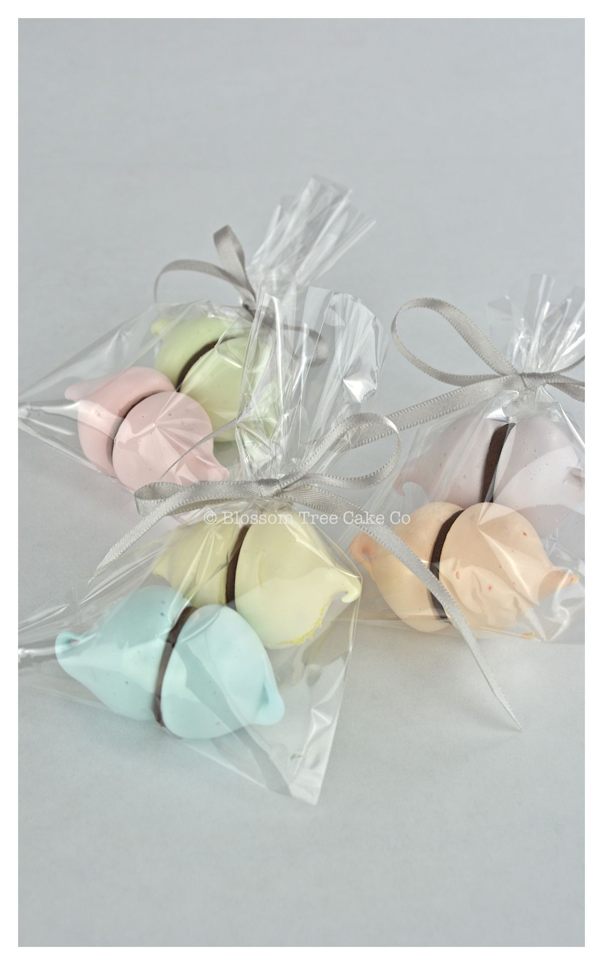 Meringue kisses wedding favours. | Pops - Cake, Cookie, Marshmallows ...