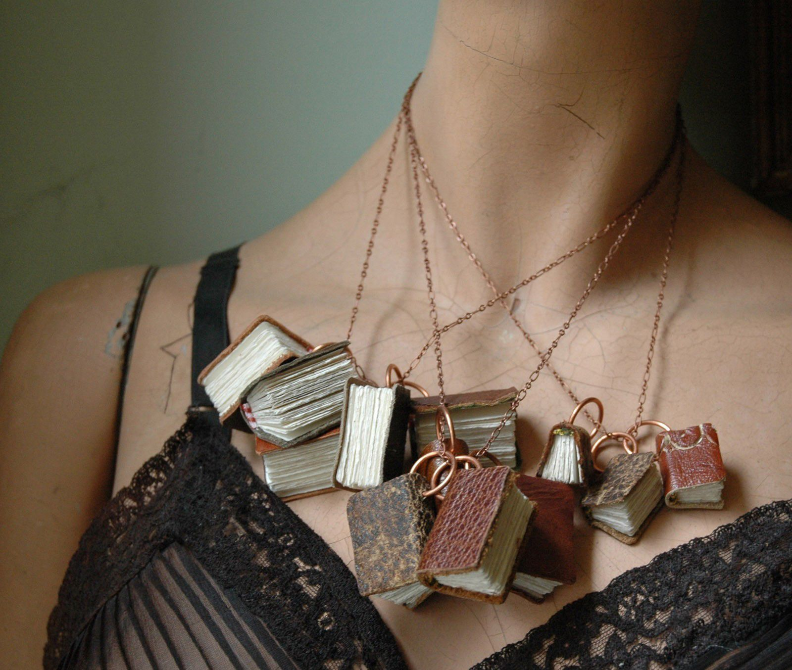 Heather Pizzitola Design | wearable miniature library