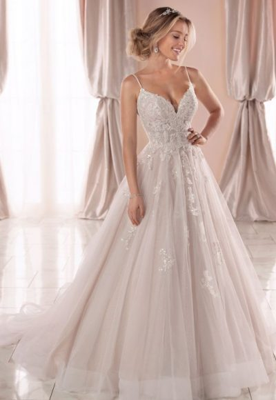 Spaghetti Strap V-neckline Ball Gown Wedding Dress
