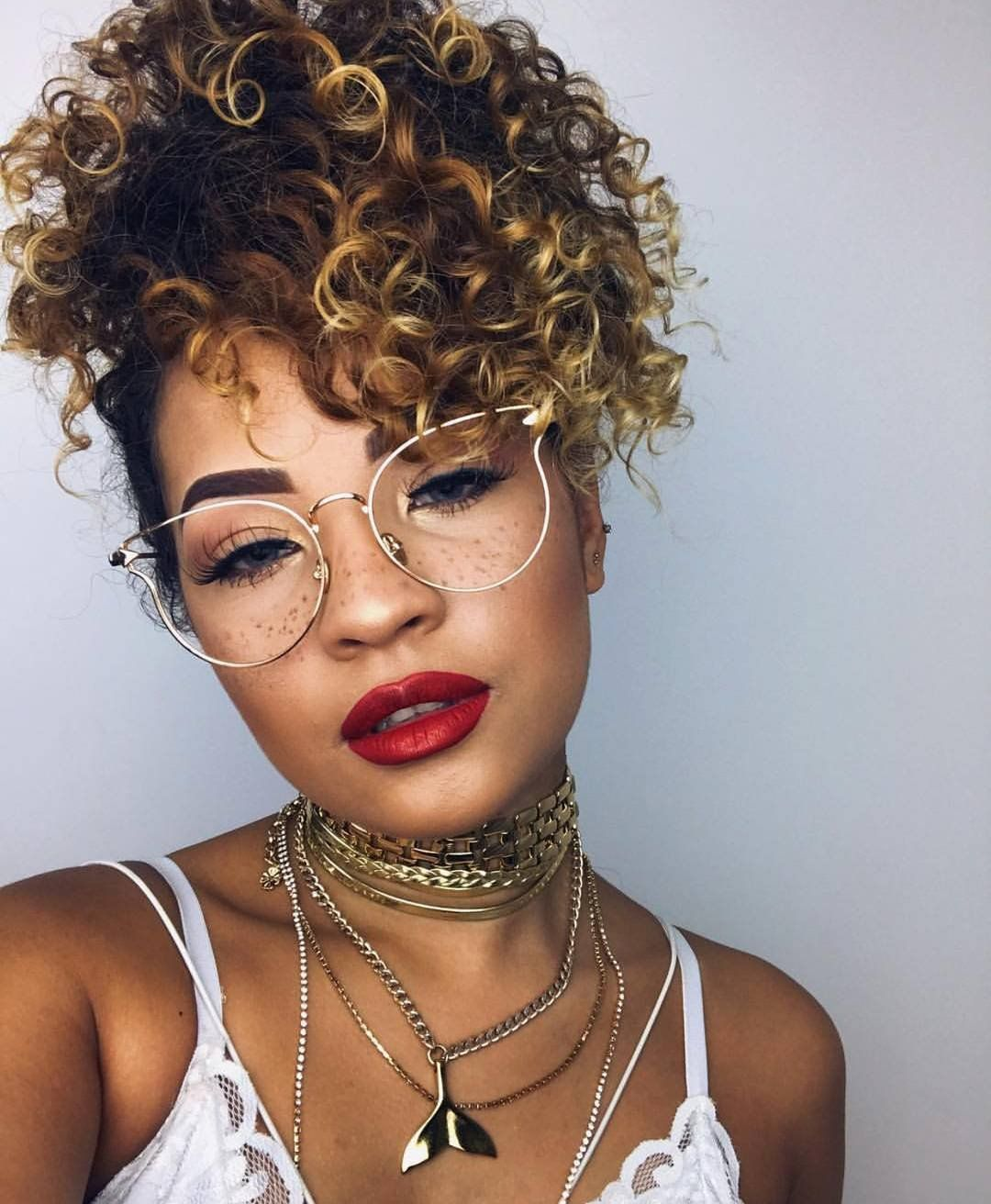 21 Curly Hair Updos For Cold Weather Nights Curly Hair Styles Pinapple Hairstyle Bun Hairstyles For Long Hair