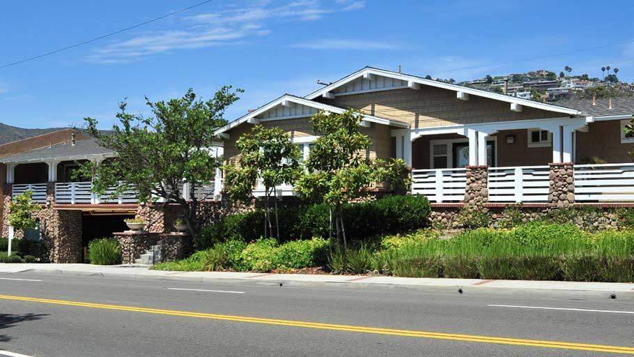 Alice Court Affordable Studios In Laguna Beach Ca Affordable Housing Affordable Apartments Laguna Beach