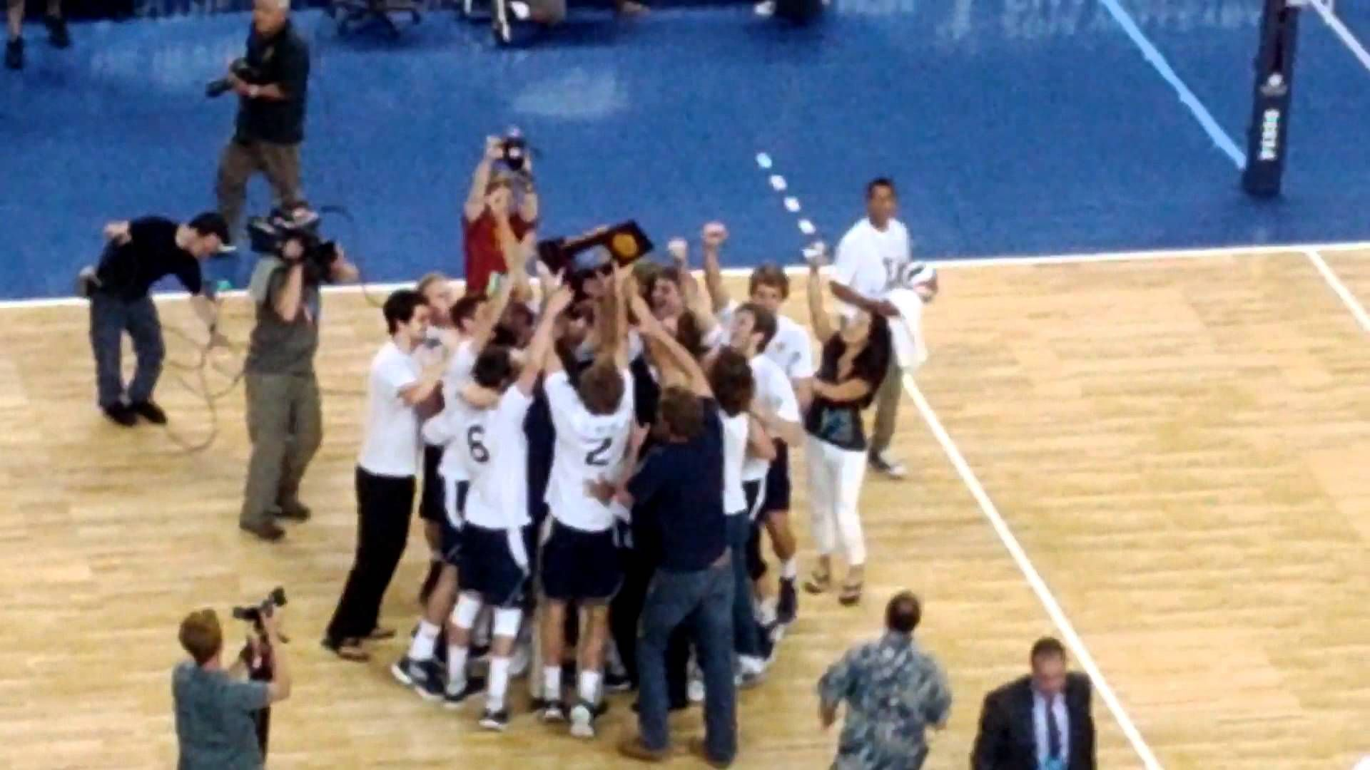 Uci Men S Volleyball Wins The 2011 12 Ncaa Title By Sweeping Usc To Win 3rd Title In 6 Years Championship Point Mens Volleyball Volleyball Usc