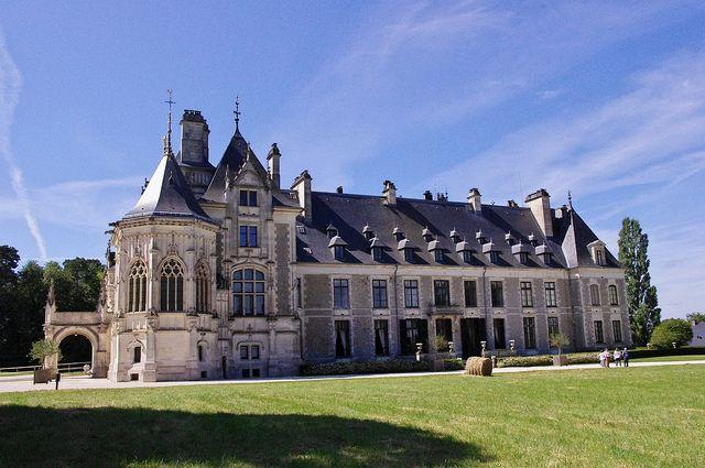 Ch teau de menetou salon xive xixe propri t des princes d 39 arenberg castles france and - Chateau de menetou salon visites ...