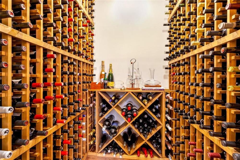 32 Falcon Dr Mandeville La Coldwell Banker Wine Cellar Wine Rack Butler Pantry