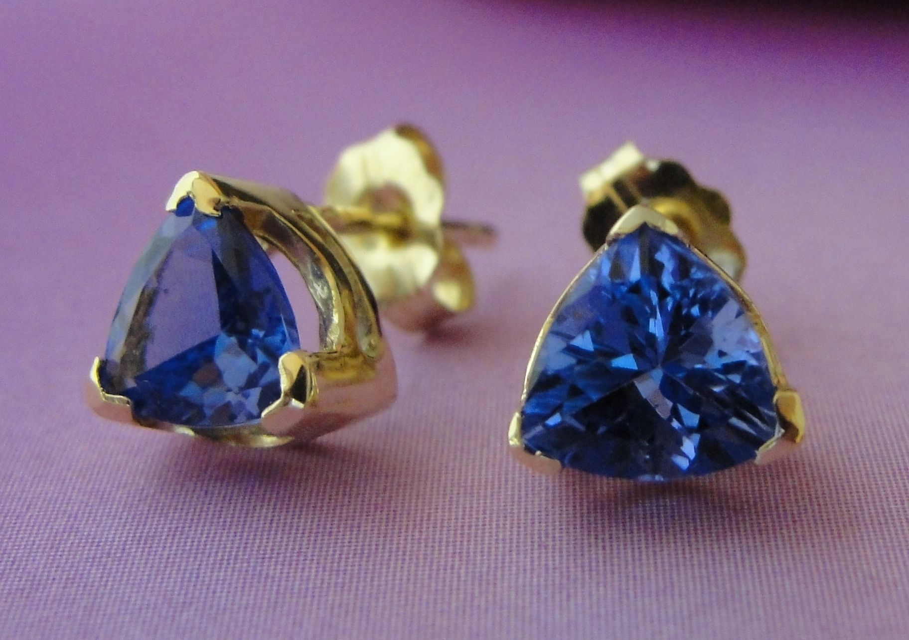 pin trillion tanzanite earrings gold cert com white amazing cut diamond gia dangle