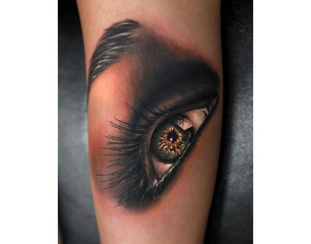 11 tatuajes de ojos totalmente realistas que seguro te incomodarán