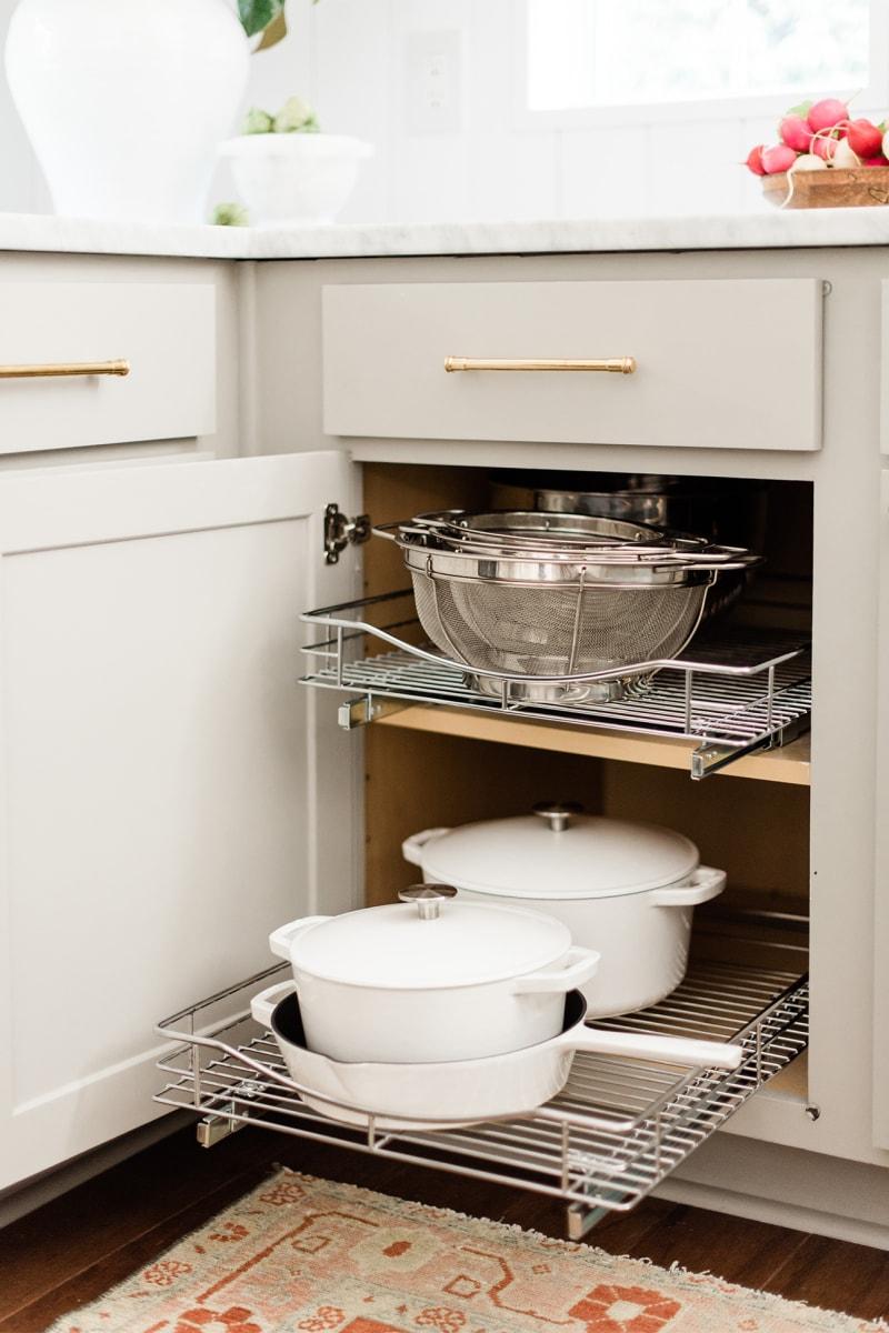 Kitchen Organization Tips to Bookmark If You Have Zero Storage