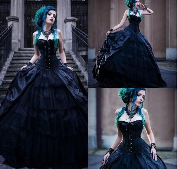 Schwarze romantische gotische Brautkleider Str