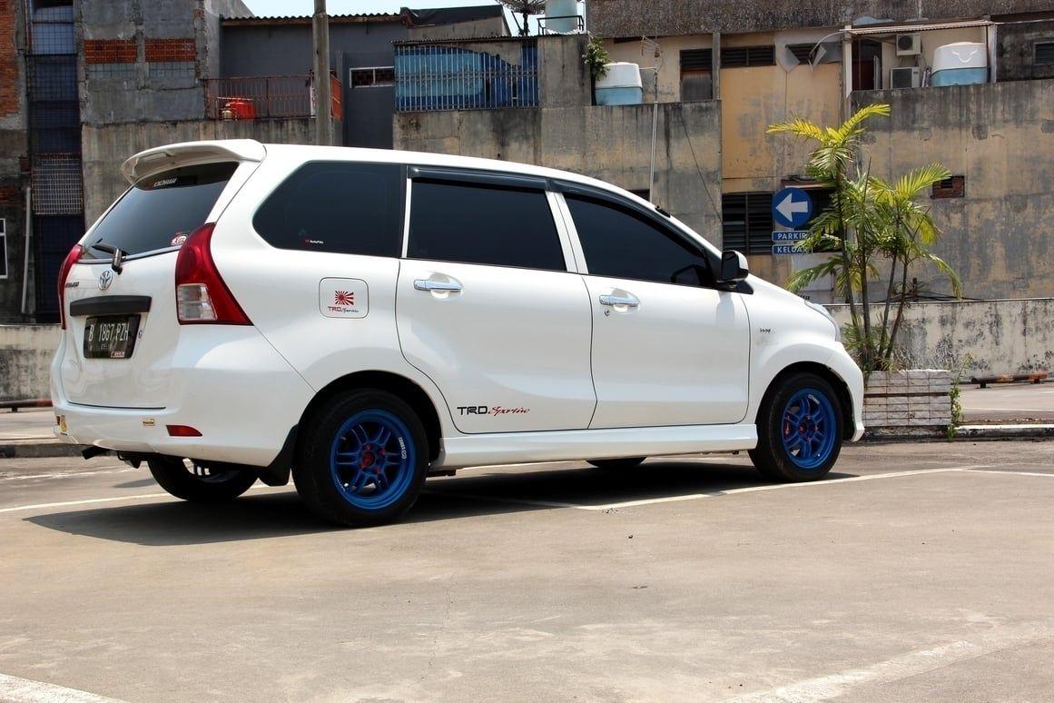 Modifikasi Mobil Avanza G Putih Modifikasi Mobil Mobil Kendaraan