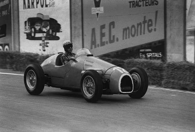 1954 Belgian Grand Prix, Spa : Jean Behra, Gordini Type 16 #12, Equipe Gordini, Retired (suspension, lap 12). (ph: motorsportmagazine.com)