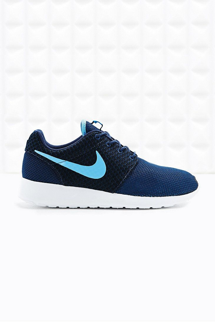 Nike Roshe Running Trainers in Blue  9406a33822a2
