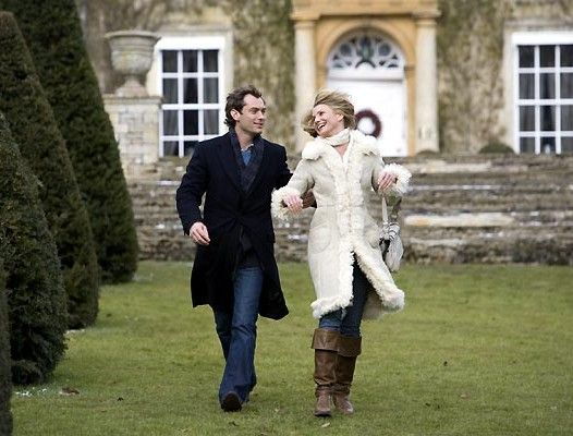 Jude Law & Cameron Diaz in The Holiday | Look-of-the-Day ...