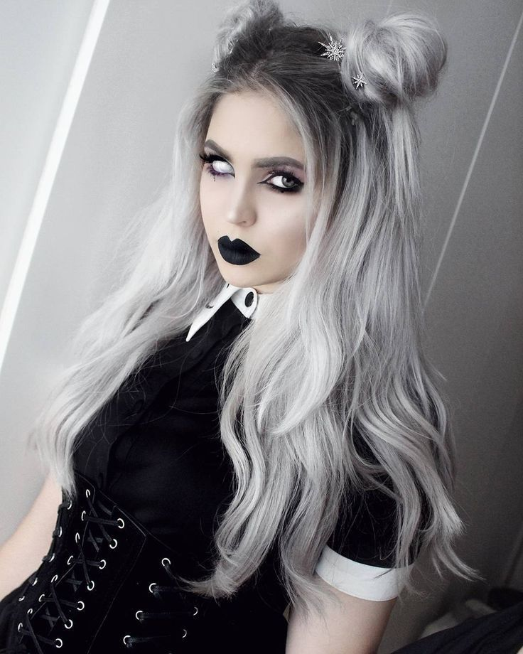 Pin By Chlorine On Gothic Hairstyle Gothic Hairstyles Goth Hair Natural Hair Styles Easy