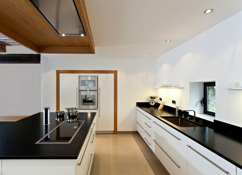 Cuisine blanche bois et noire cuisine mobilier et for Cuisine blanche et bois