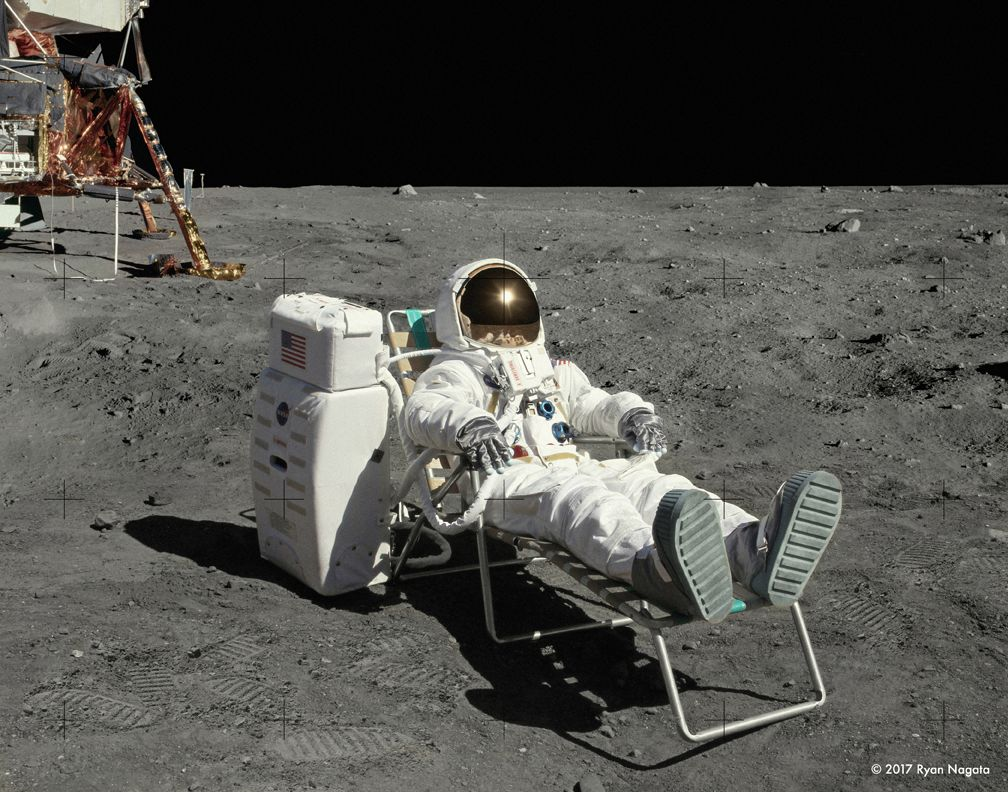 Astronaut testing the space suit on the Moon   Apollo ...