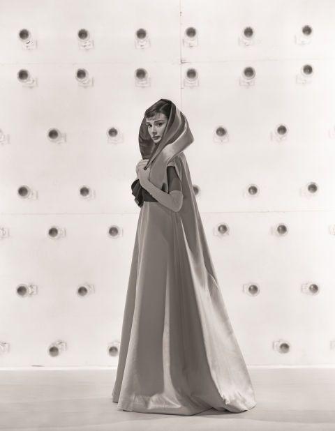 Be Featured In Model Citizen App Magazine And Blog Www Modelcitizenapp Com Audrey Hepburn Audrey Hepburn Funny Face Audrey
