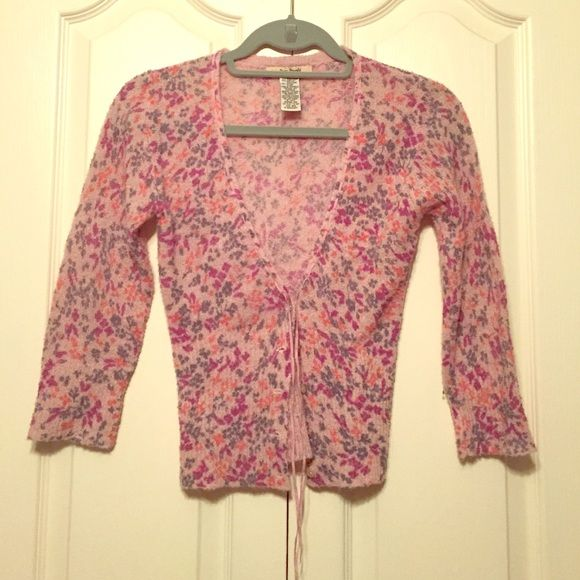1576512903d FREE PEOPLE 3 4 sleeve cardigan Light pink purpley sweater with ribbon  detailing and grey purple coral design. Free People Sweaters Cardigans