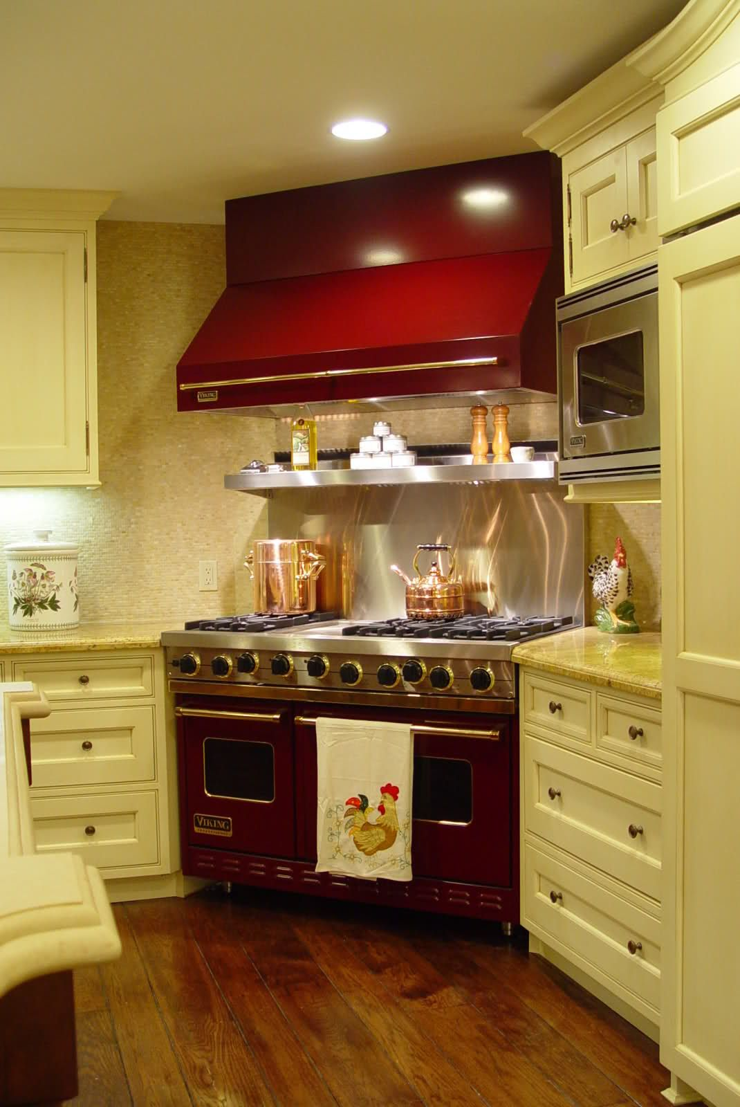 I love the white cabinets and the corner range