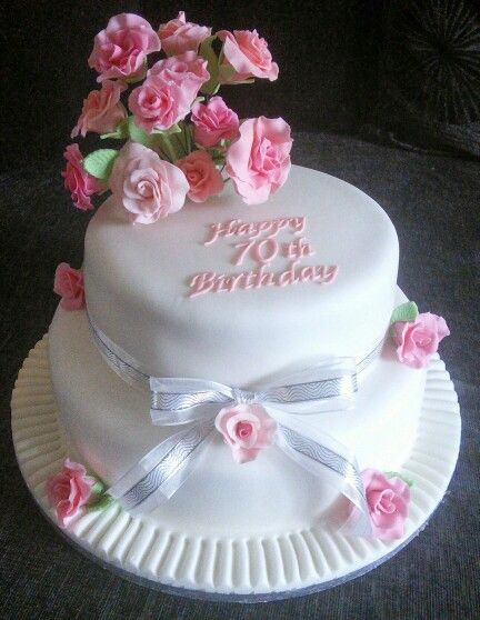 My Aunties 70th Birthday Cake Birthday Cakes Pinterest