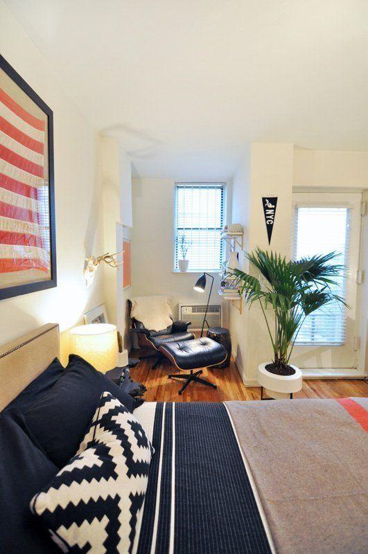 Evan S Modern Cozy Manhattan Studio Living Room Bedroom Mini Apartments Apartment Decor