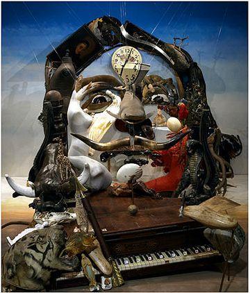 Bernard Pras - Dali - Assemblage d'objets avec effet d ...