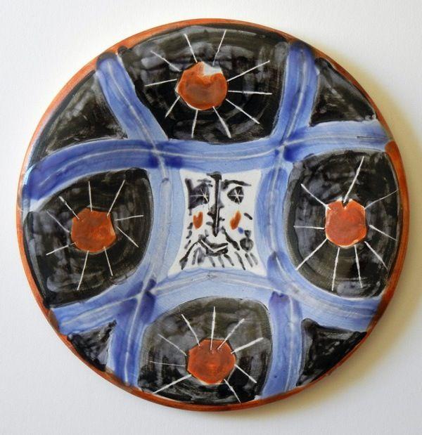 Picasso Ceramics 11 - http://www.visualnews.com/2013/07/09/original-ceramic-pieces-by-picasso-on-auction/