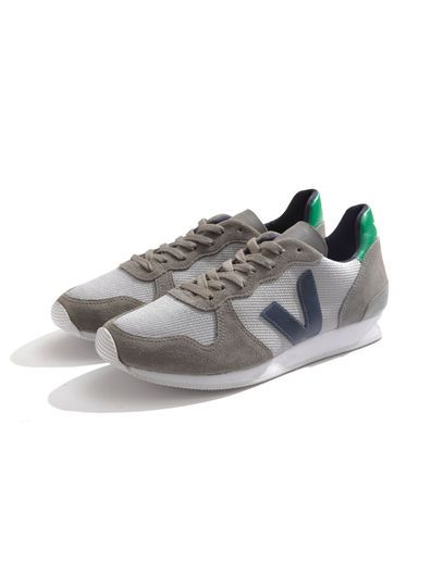 """Silver Nautico Emeraude (men's) - """"... made from organic and fair trade cotton, wild and fair trade rubber, and 15 recycled plastic bottles."""" : Veja, on Zady"""