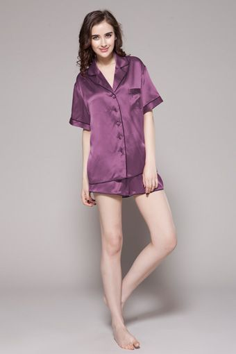 Youll definitely want to tiptoe through the backyard with this shorty set. $95 #pajamas #silk #lilysilk