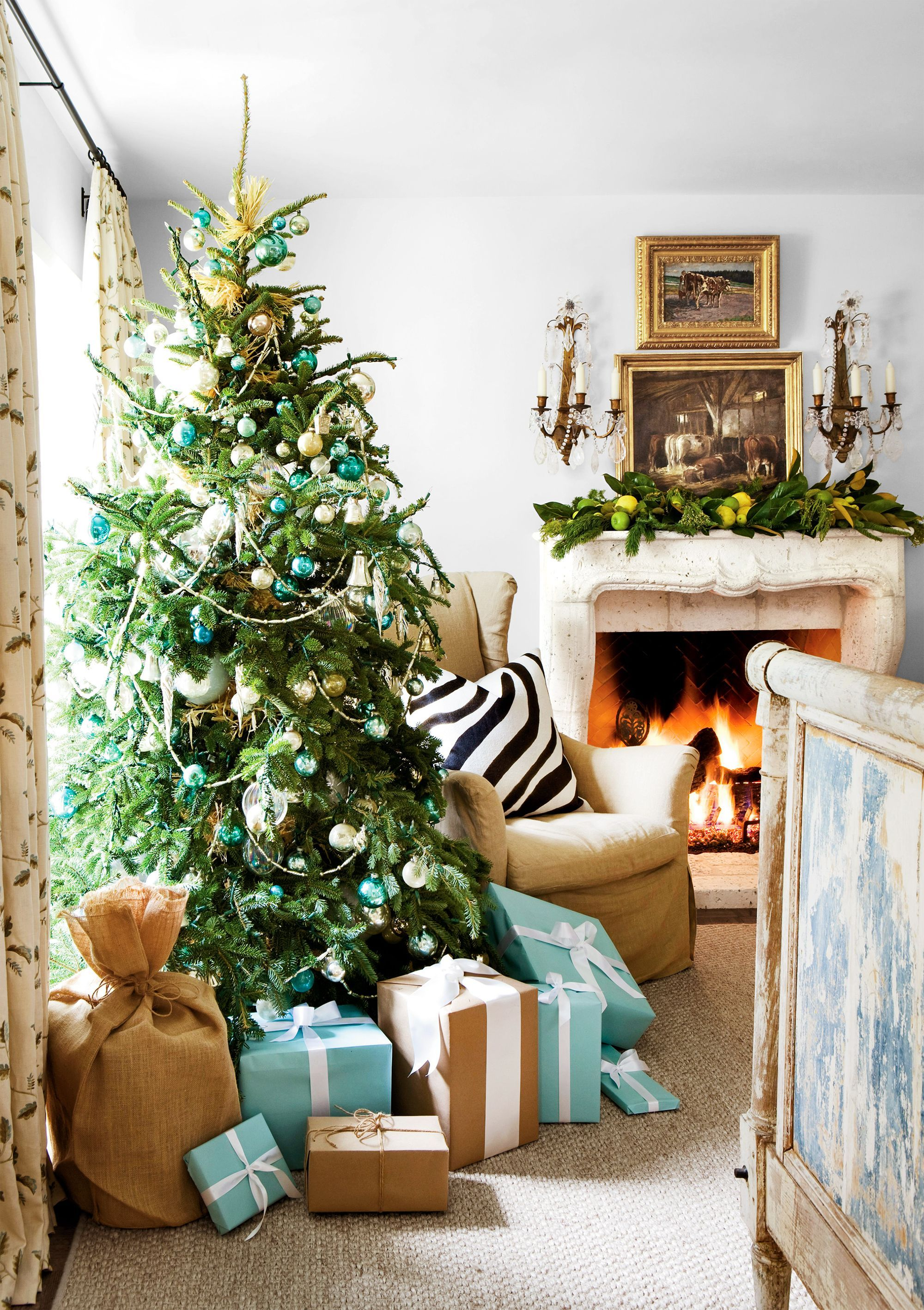 29 Beautiful Traditional Christmas Decorations Ideas Page 4 Of 31 Easy Hairstyles Beautiful Christmas Blue Christmas Christmas Home