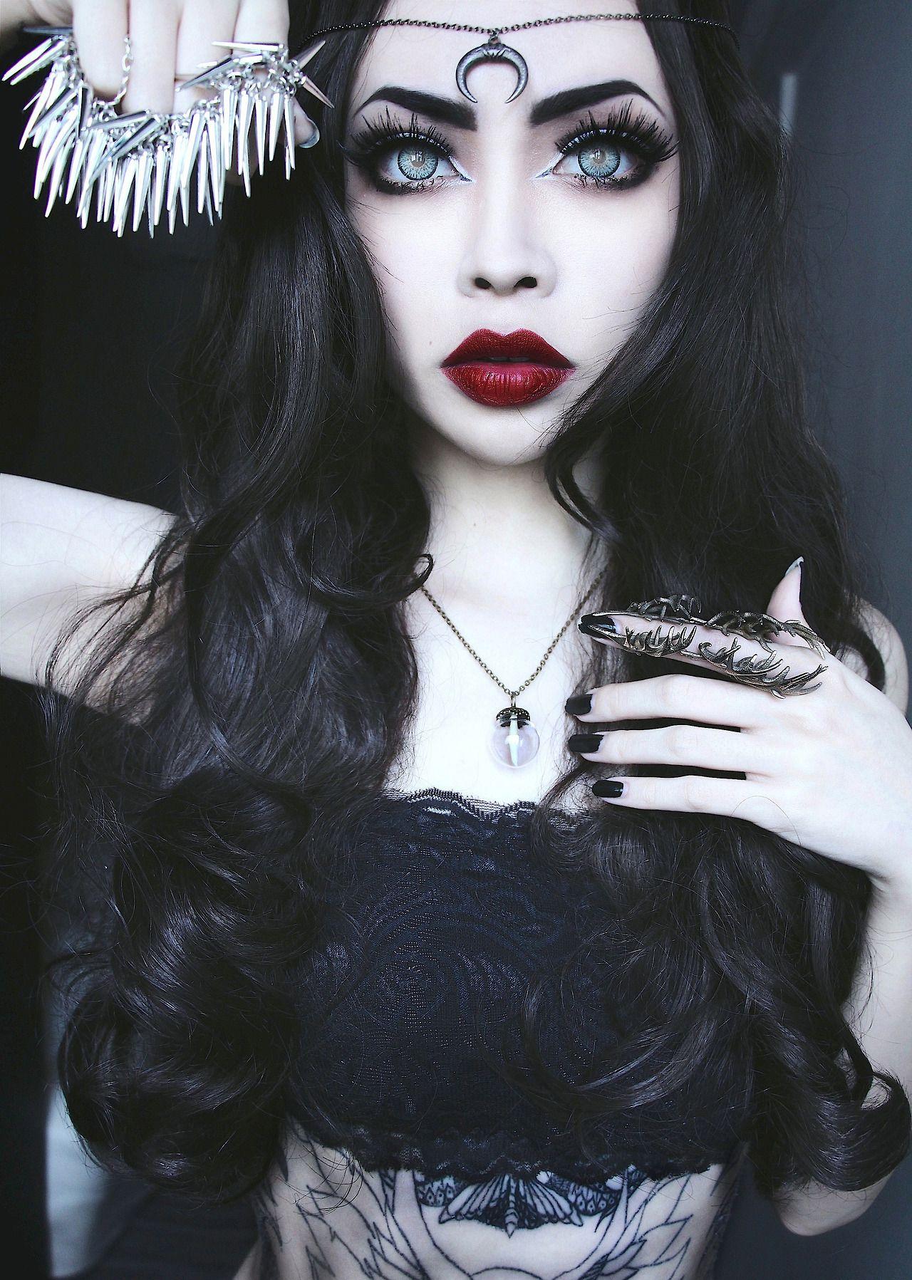 Lola Draven Avatar