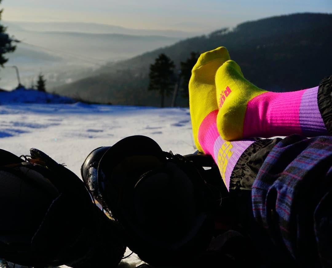 Odpoczynek Z Takim Widokiem Wart Jest Kazdego Wysilku Trekking Split Snowboard Snow Mountains Peak Splitboard Rest Relax Winter Glove Winter Gloves