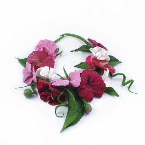 Naszyjnik Filcowy Kwiaty Pink Floral Floral Wreath Wreaths