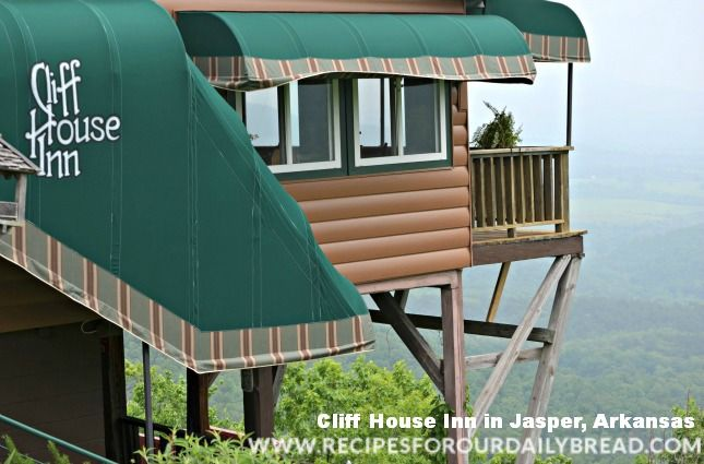 You Need To See The Breathtaking Views Cliff House Restaurant Cliff House Restaurant Arkansas Vacations Family Fun Places