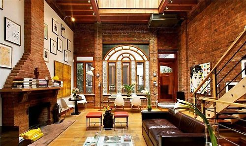 Famous Friday: the NYC apartment that Johnny Depp and Kate Moss used to rent back in the 90s (via HUH.)